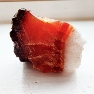 Carnelian w/ quartz inclusion (rough)